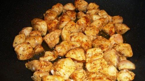 kurczak i sos szpinakowo-pieczarkowy