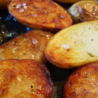 Młode ziemniaki z tymiankiem
