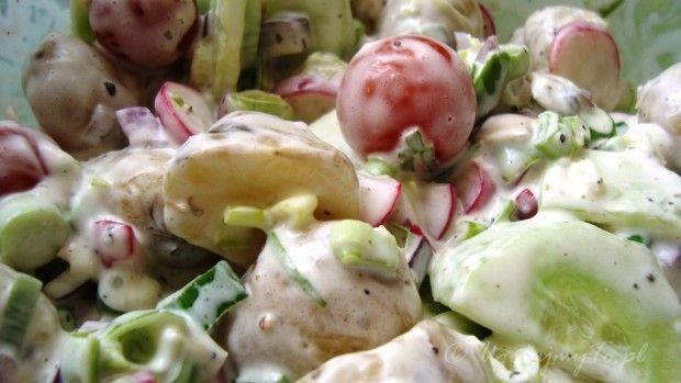 Sałatka wiosenna z młodych ziemniaków
