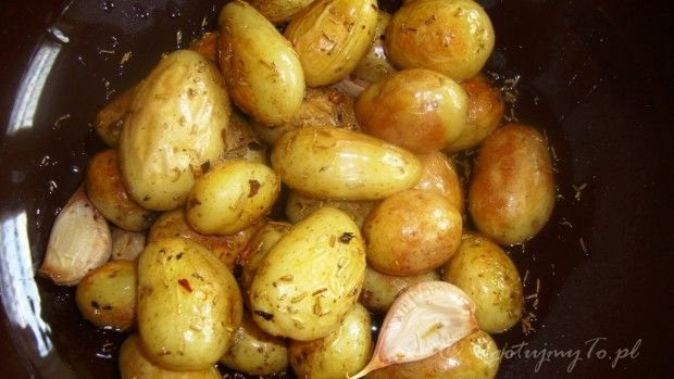 Młode ziemniaki z rozmarynem