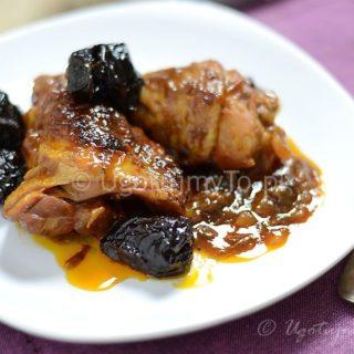 Kurczak ze śliwkami po cygańsku