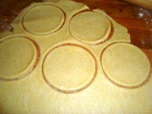 Pieczone pierogi z kapusta i grzybami
