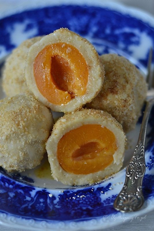 Knedle serowe z morelami