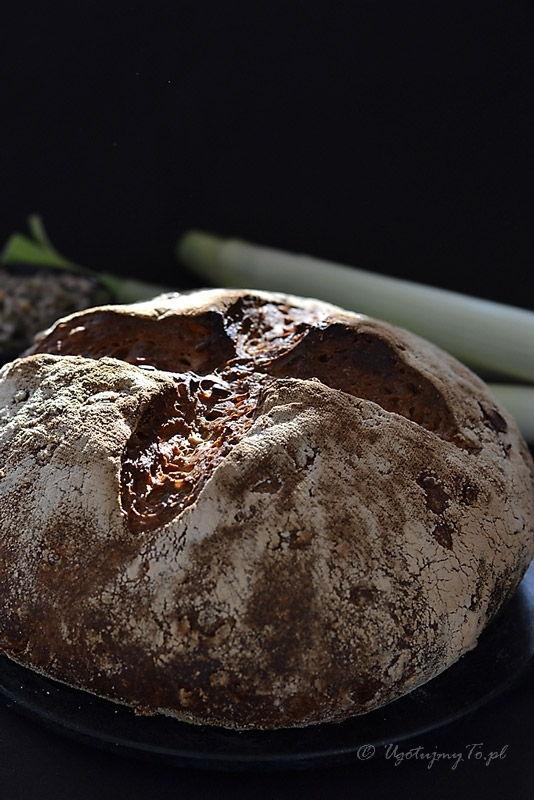 chleb z porem i pestkami