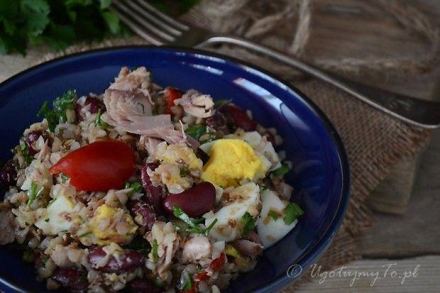 Salatka z tunczykiem i kasza gryczana