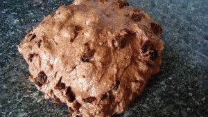 Przygotowanie chleba czekoladowego
