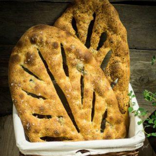 Chlebek Fougasse z oliwkami