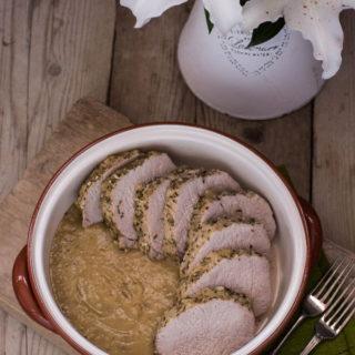 Schab pieczony z jabłkowym sosem