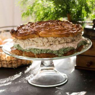 Tort ptysiowy łososiowo-szpinakowo-chrzanowy