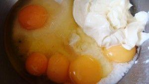 Przygotowanie babki majonezowej