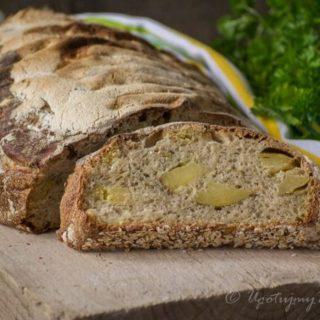 Chleb z ziemniakami pieczonymi i rozmarynem