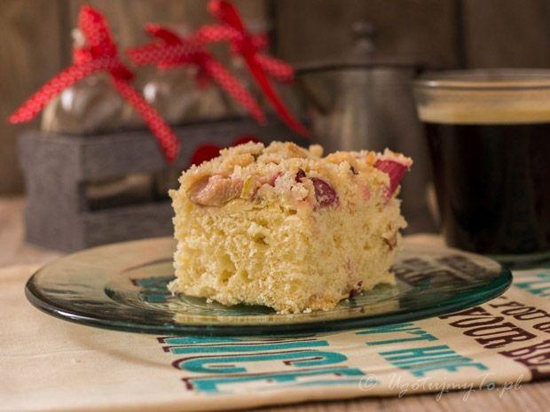 Ciasto drozdzowe z rabarbarem