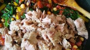 Przygotowanie zapiekanki makaronowej z tunczykiem