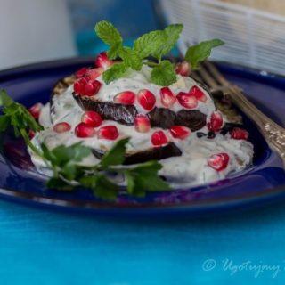 Baklazan w sosie jogurtowym