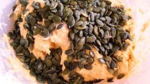 Przygotowanie chleba dyniowego