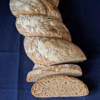 Chleb orkiszowy na drożdżach – ubijany