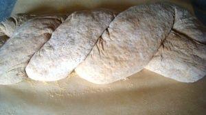 Przygotowanie chleba orkiszowego