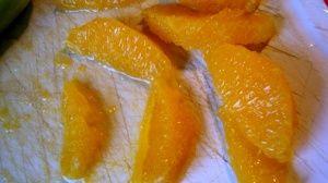 Przygotowanie sałatki makaronowej z łososiem