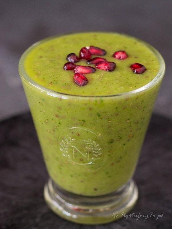 Koktajl owocowy z zieloną herbatą