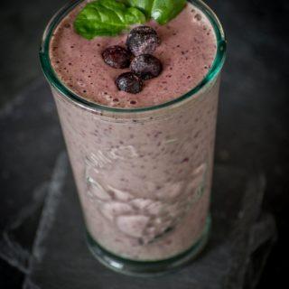 Koktajl bananowo jagodowy / borówkowy